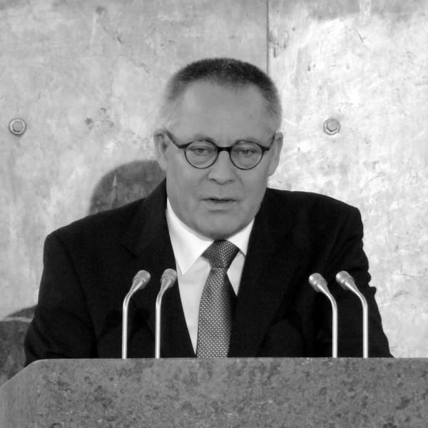 """Karl Schlögel """"Entscheidung in Kiew. Ukrainische Lektionen"""""""