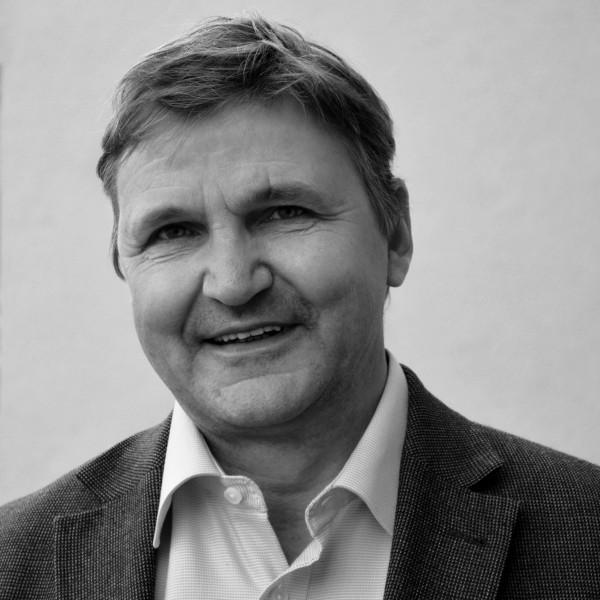"""Wilfried Buchta """"Die Strenggläubigen. Fundamentalismus und die Zukunft der islamischen Welt"""
