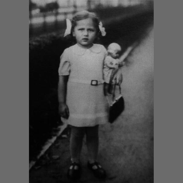Nationalität: Staatenlos. Die Geschichte einer Selbstfindung nach dem Kindertransport 1939