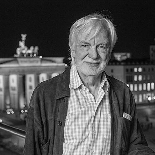 """Ungerechtfertigtes Lamento"".  Joochen Laabs zum 80. Geburtstag"