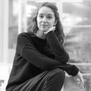 Iris Wolffim Gespräch mit Michaela Nowotnick